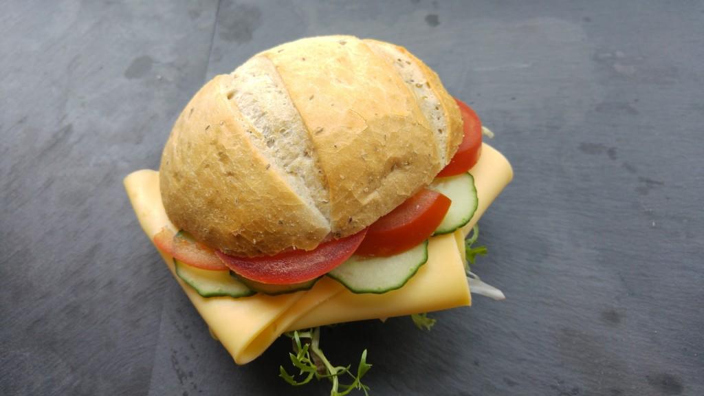 Broodje-kaas-boelaars luxe broodje